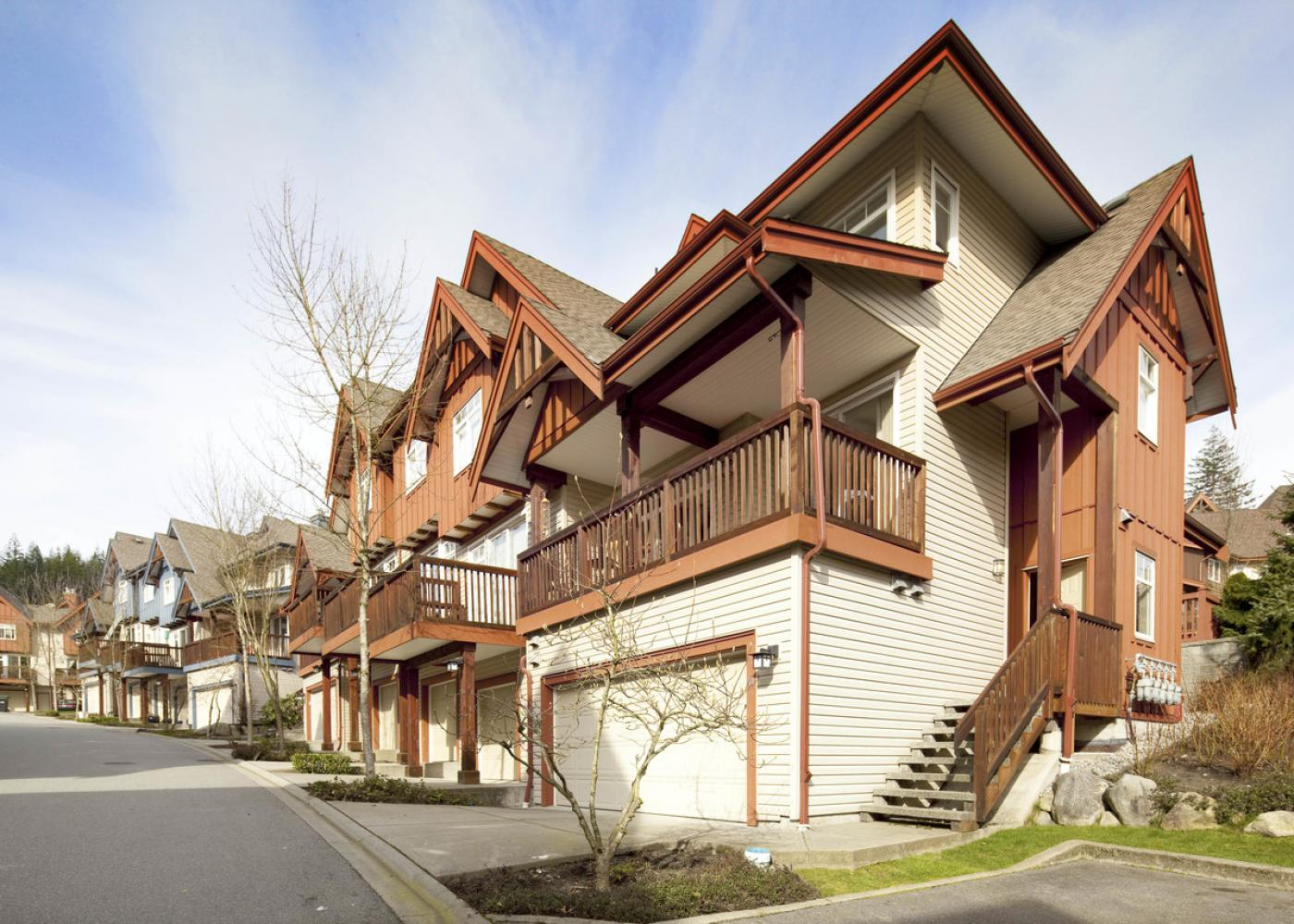 #44 - 50 Panorama Pl, Port moody,